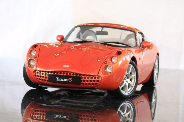 TVR Tuscan 1:18 Revell